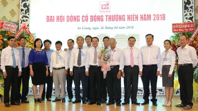 Hội đồng Quản trị, Ban Tổng Giám đốc Tập đoàn Sao Mai và các cổ đông tại đại hội