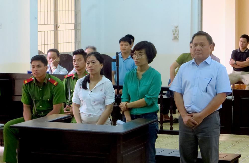 3 bị cáo trong phiên tòa xét xử sơ thẩm