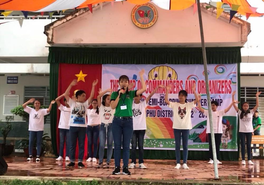 Châu Phú tổ chức tổ chức Trại hè tiếng Anh bán trú