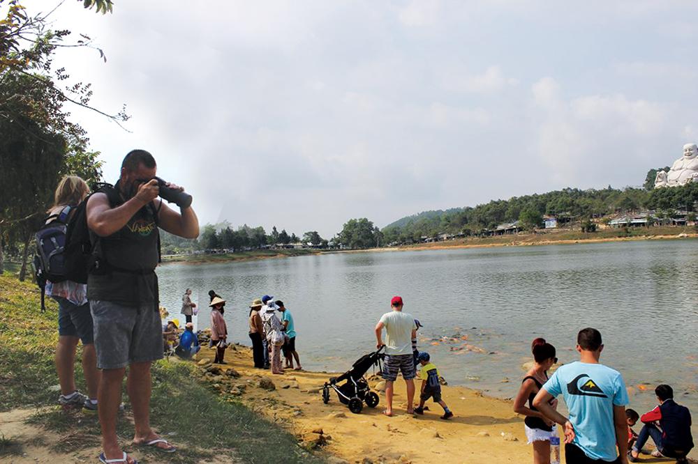 Nhiều hoạt động đáp ứng nhu cầu vui chơi, giải trí cho nhân dân
