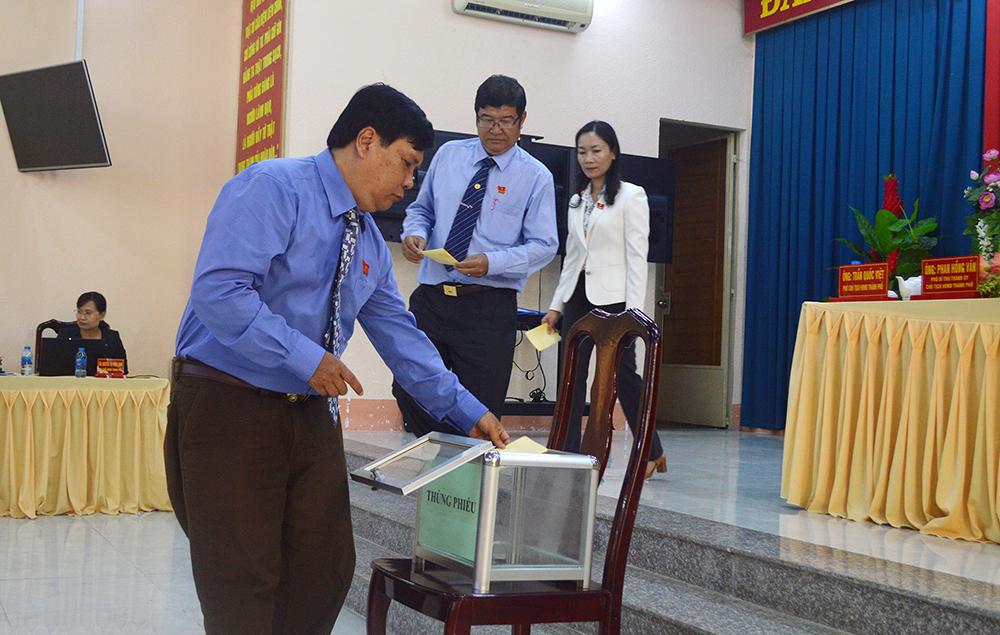 Ông Lâm Quang Thi được bầu làm Chủ tịch UBND TP. Châu Đốc