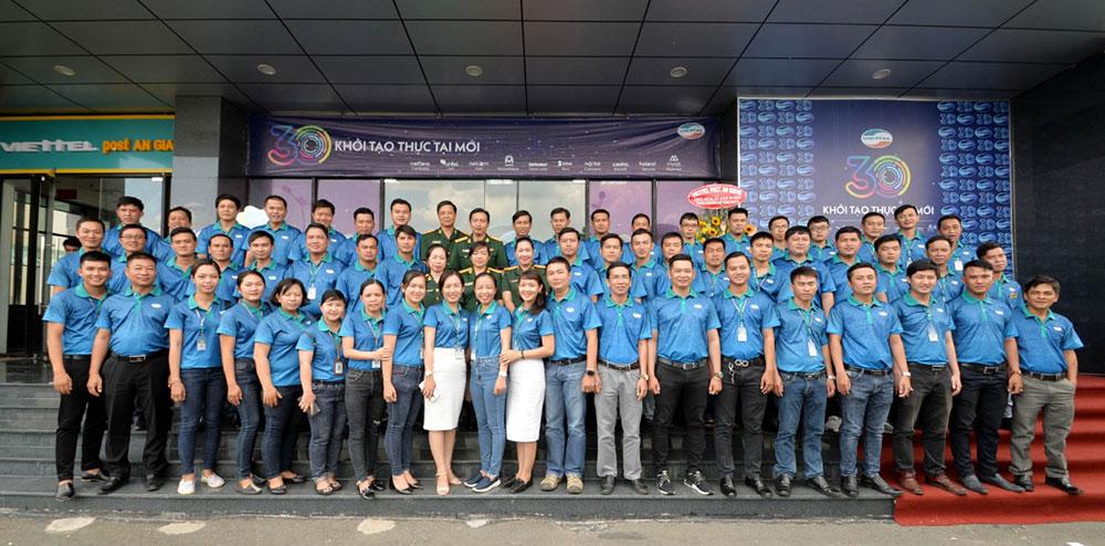 Tập thể Viettel An Giang thi đua quyết thắng hoàn thành vượt tất cả các chỉ tiêu và hoàn thành vượt doanh thu kế hoạch giao