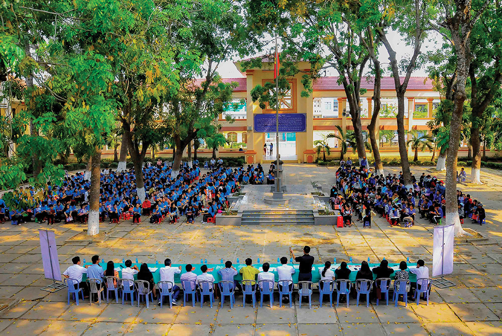 Quang cảnh buổi tư vấn tuyển sinh, hướng nghiệp năm 2019 của Trường Đại học An Giang tại Trường THPT Chuyên Thủ Khoa Nghĩa (TP. Châu Đốc)