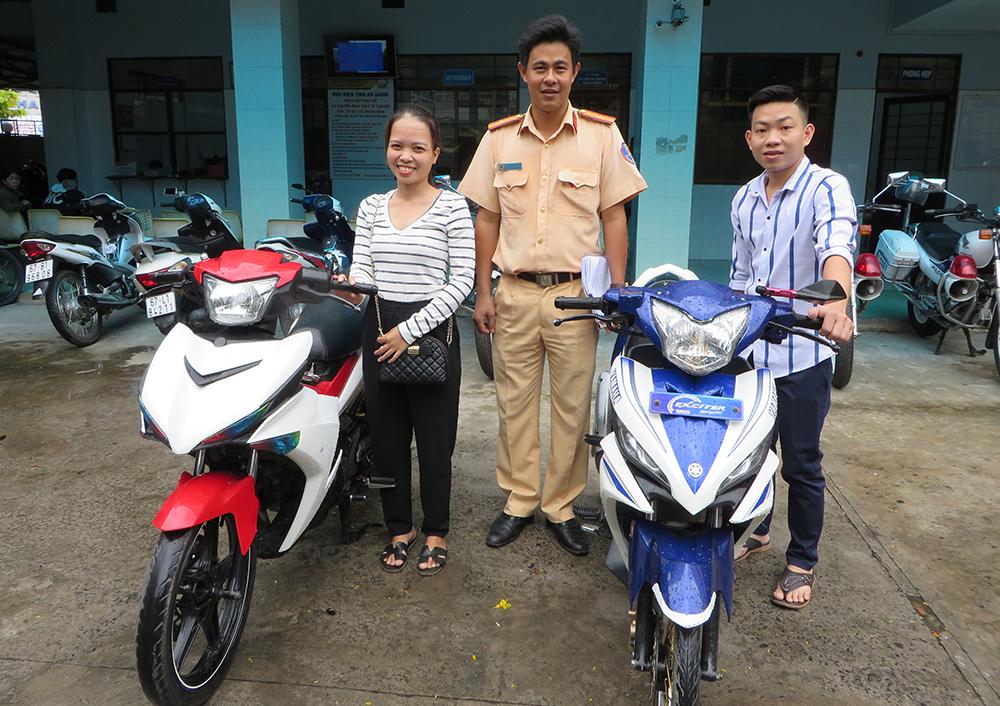 Phòng Cảnh sát Giao thông đường bộ trao trả 2 môtô cho người bị mất trộm
