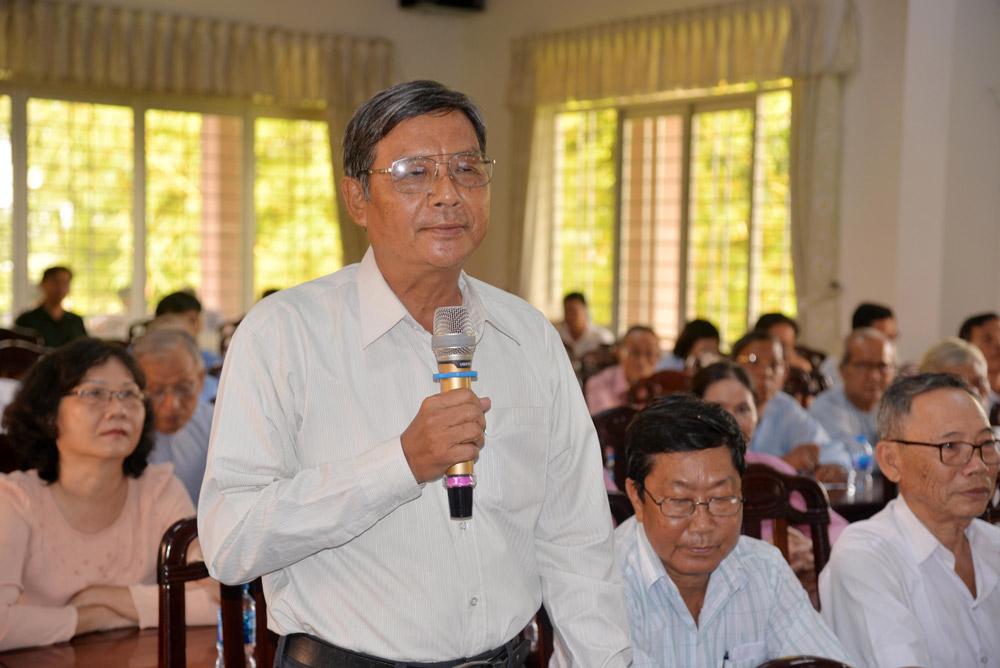 Các tín đồ Phật giáo Hòa Hảo nêu ý kiến, kiến nghị tại buổi gặp mặt, tiếp xúc, đối thoại