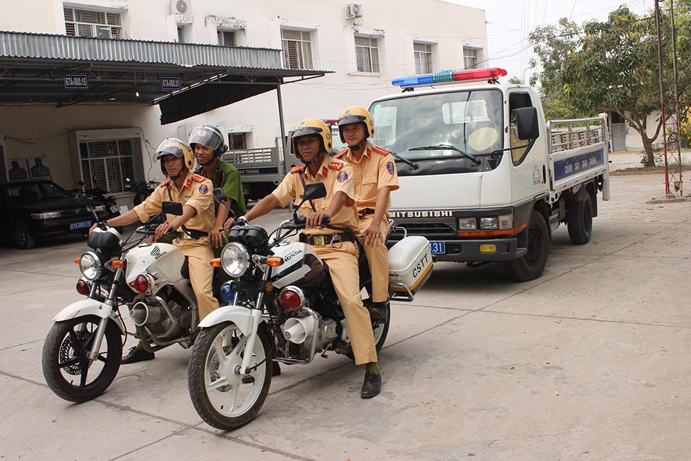 Quyết liệt đảm bảo an toàn giao thông, chống ùn tắt giao thông