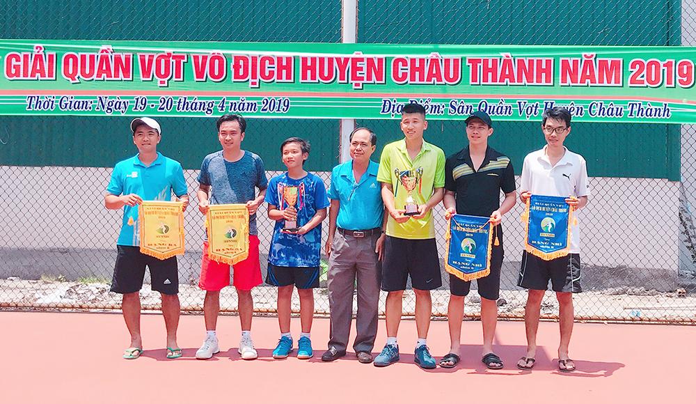 Châu Thành phát triển phong trào quần vợt