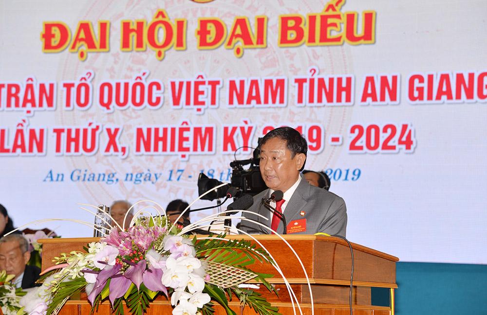 Chủ tịch UBMTTQ Việt Nam tỉnh Nguyễn Tiếc Hùng phát biểu bế mạc đại hội