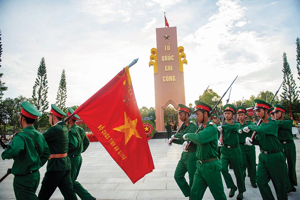 Long trọng cải táng hài cốt liệt sĩ hy sinh trên chiến trường Campuchia và trong nước