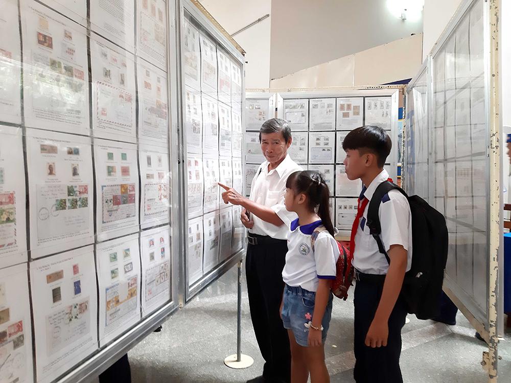 Khai mạc triển lãm tem bưu chính học sinh - sinh viên năm 2019