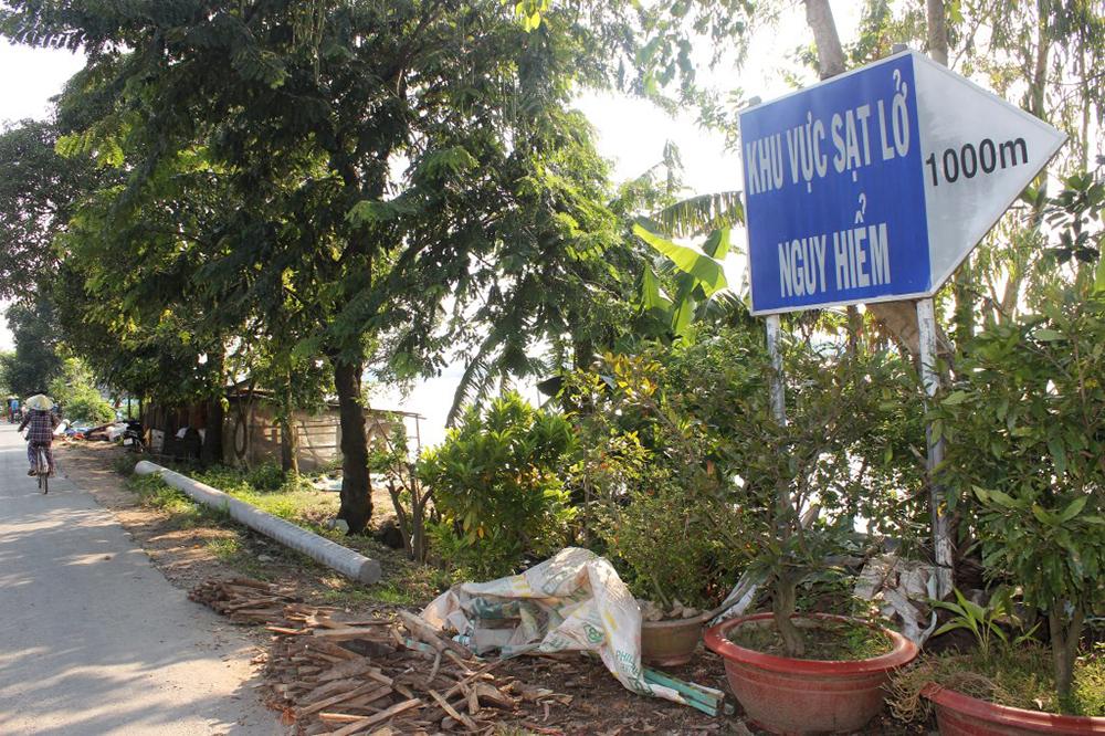 Ban bố tình huống khẩn cấp sạt lở bờ sông Hậu, xã Vĩnh Trường (An Phú) và xã Châu Phong (TX. Tân Châu)