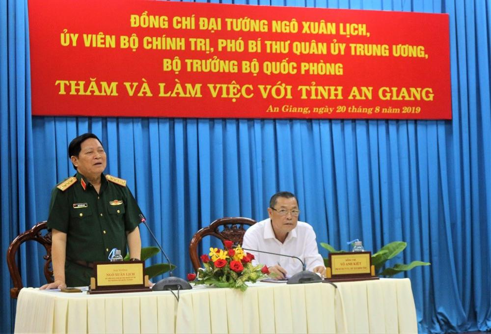 Bộ trưởng Bộ Quốc phòng Ngô Xuân Lịch làm việc với tỉnh An Giang