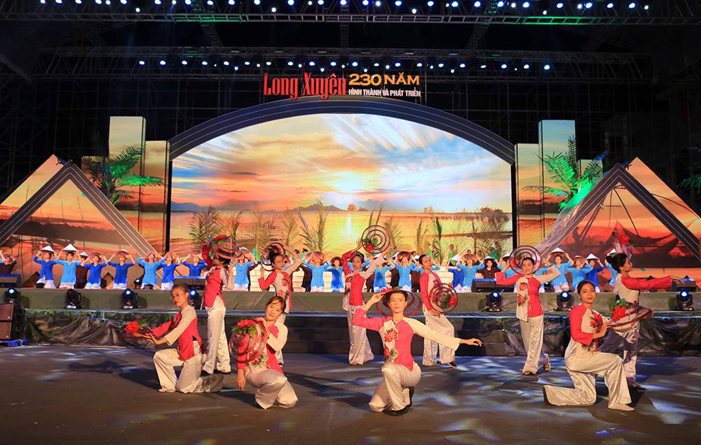 """19 giờ 30 phút tối nay (20-8) diễn ra Chương trình Lễ kỷ niệm """"Long Xuyên 230 năm hình thành và phát triển"""""""