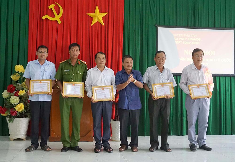 """Phú Tân tổ chức """"Ngày hội toàn dân bảo vệ an ninh Tổ Quốc 2019"""""""