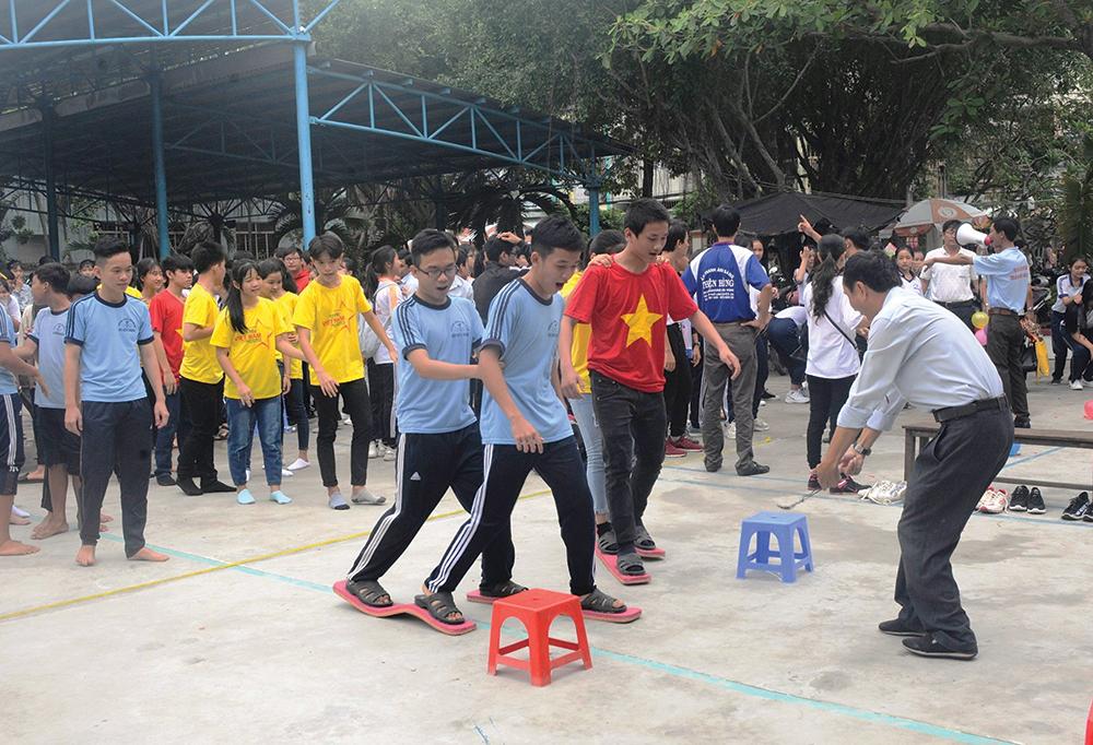 Thanh thiếu niên học đường: Long Xuyên tích cực chuẩn bị năm học mới