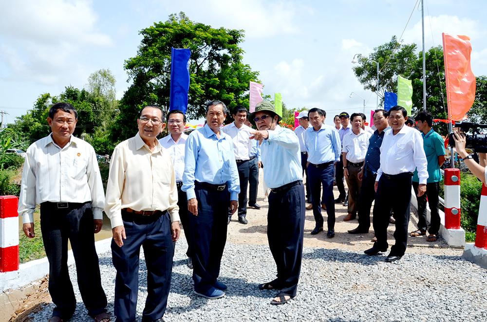 Khánh thành 12 cầu nông thôn do nguyên Chủ tịch nước Trương Tấn Sang vận động tài trợ