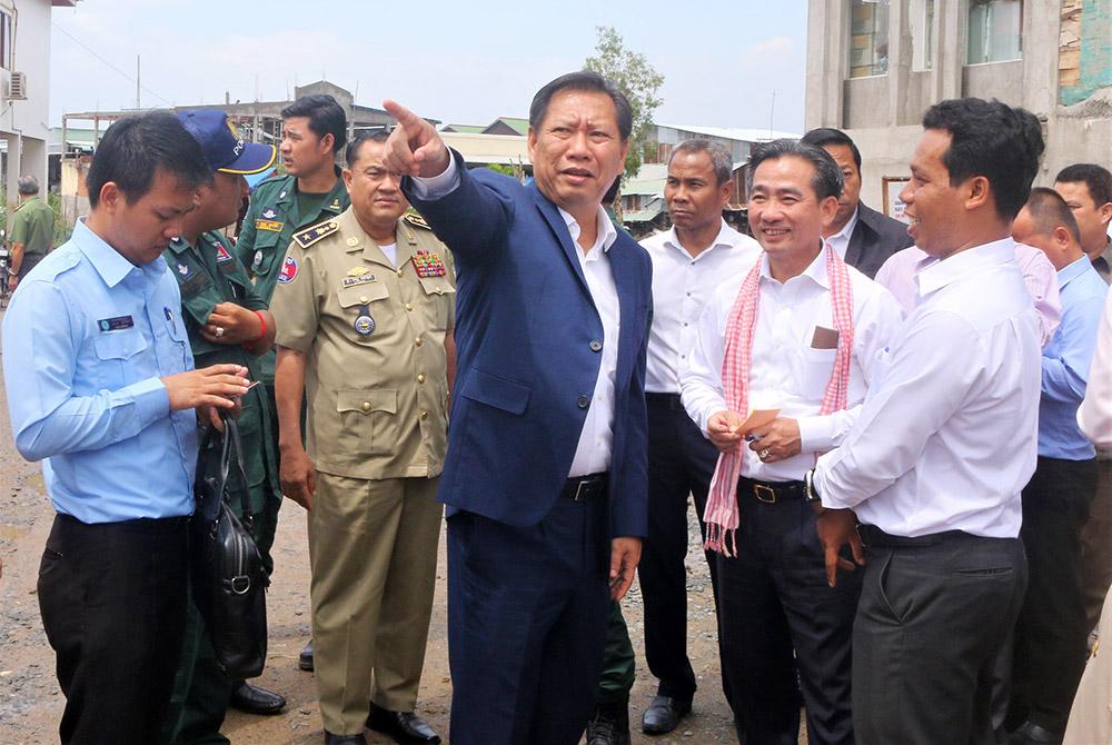 Lãnh đạo tỉnh An Giang và Takeo khảo sát thực tế tại gò Tà Mâu (khu vực biên giới phường Vĩnh Nguơn - xã Kompong Krosang)