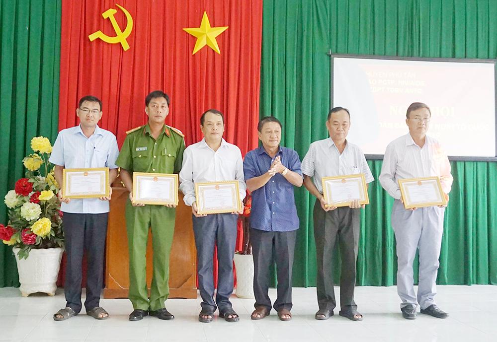 Đảm bảo an ninh trật tự địa bàn Phú Tân