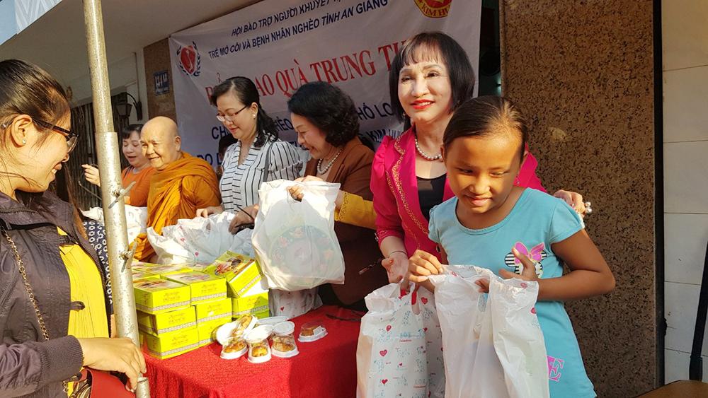 Nhiều hoạt động chăm lo Tết Trung thu cho trẻ em