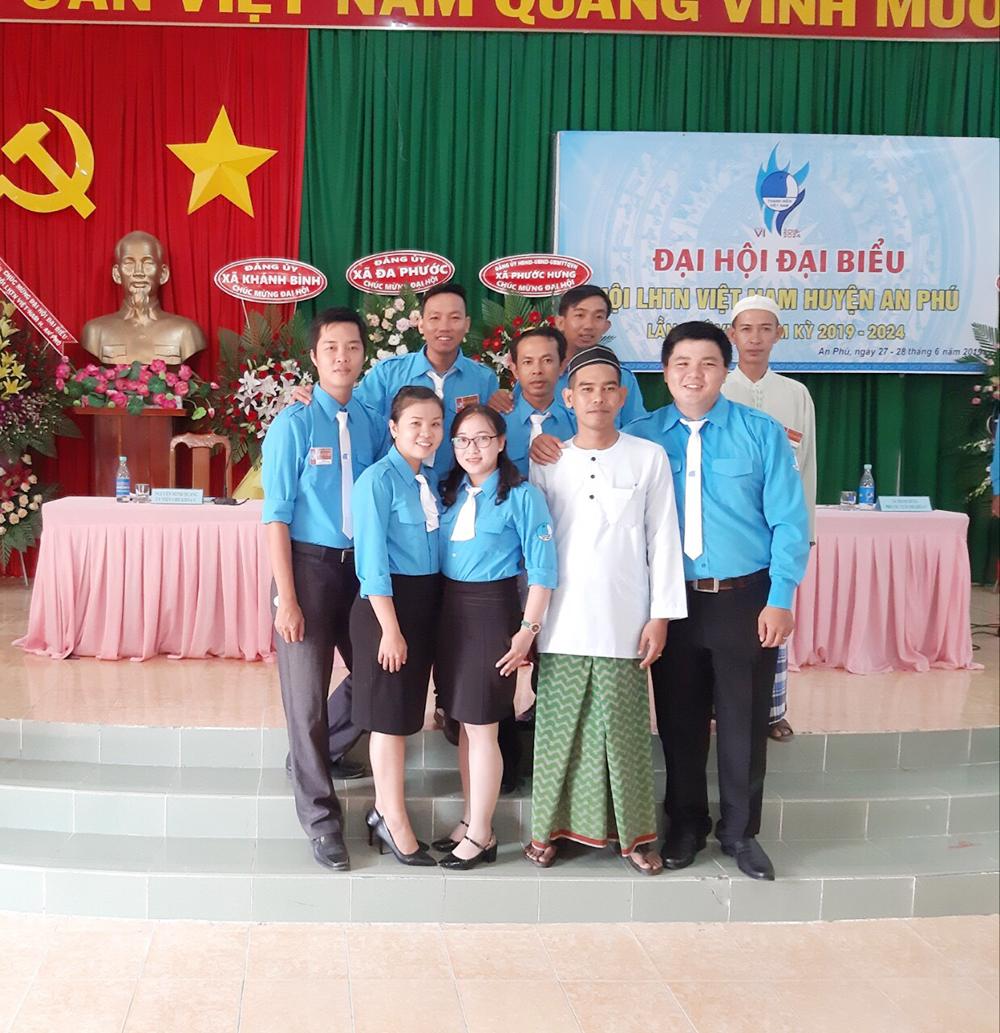 Phát triển Đảng trong đồng bào dân tộc thiểu số ở An Giang Kỳ 3: Xứng danh người đảng viên