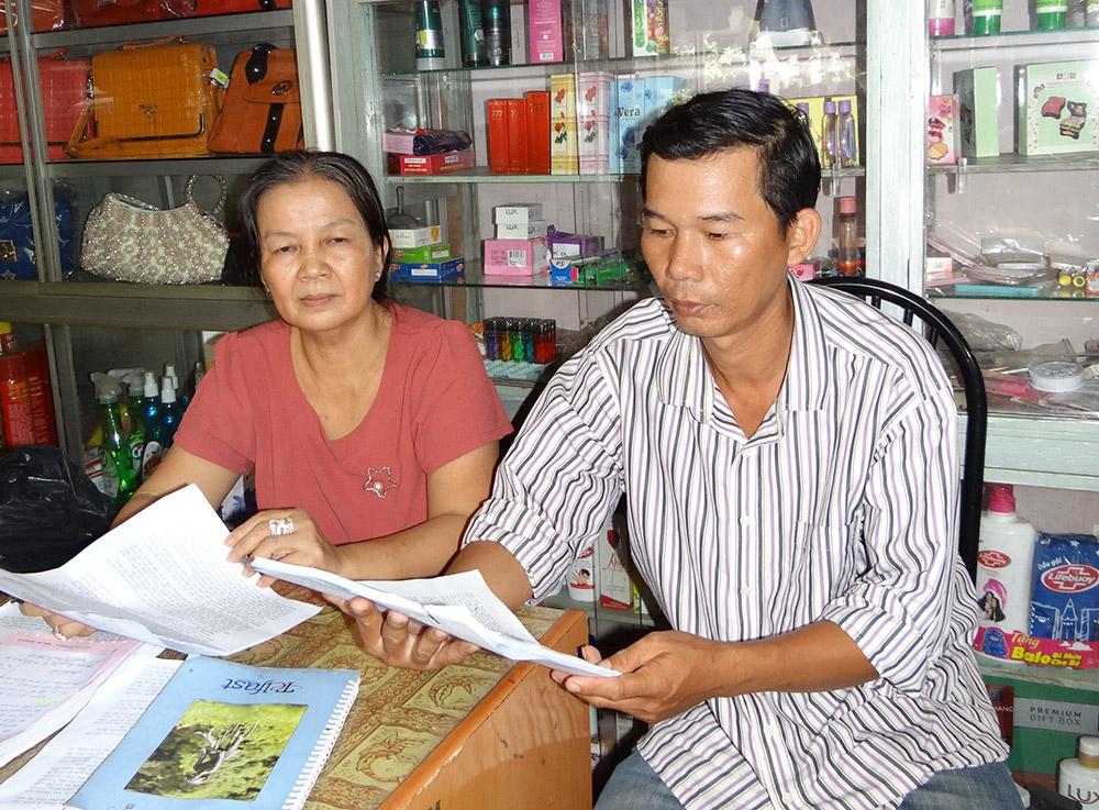 Bà Nguyễn Thị Bòn và ông Nguyễn Thành Phương trình bày sự việc
