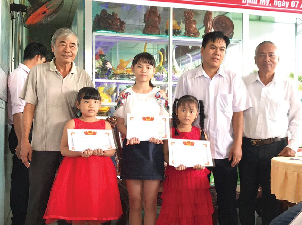 """Gia đình học tập là """"hạt nhân"""" xây dựng thành công xã hội học tập"""