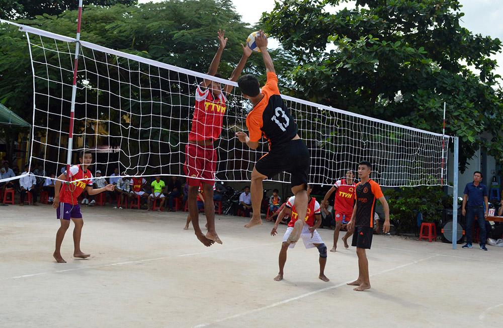 Đồng bào dân tộc thiểu số Khmer đặc biệt yêu thích bóng chuyền