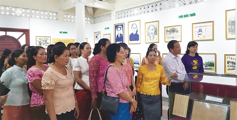 Những cán bộ Hội Phụ nữ dân tộc thiểu số Khmer điển hình
