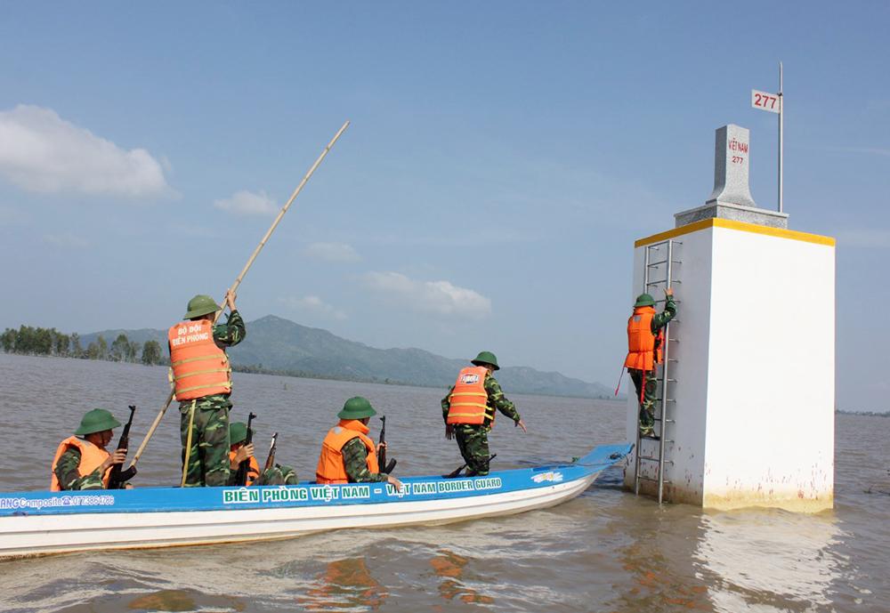 Đảng trong lòng người dân biên giới An Giang Xây dựng cột mốc trong lòng nhân dân - Kỳ 1: Xây dựng cột mốc trong lòng nhân dân ở tỉnh biên giới An Giang