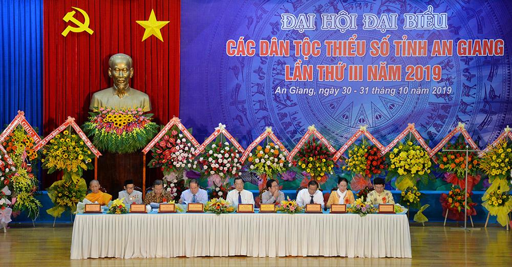 Đoàn Chủ tịch Đại hội đại biểu các dân tộc thiểu số tỉnh An Giang lần III-2019