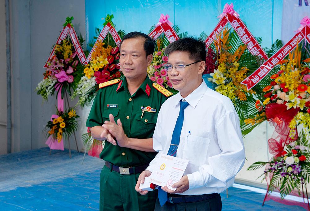 Trường THPT Long Xuyên kỷ niệm ngày Nhà giáo Việt Nam 20-11 và 44 năm thành lập