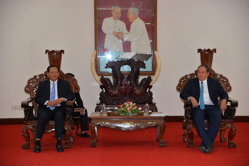 Chủ tịch UBND tỉnh Nguyễn Thanh Bình có buổi tiếp với ngài TS. Bounthong Divixay, Bí thư Tỉnh ủy, Tỉnh trưởng tỉnh Champasak