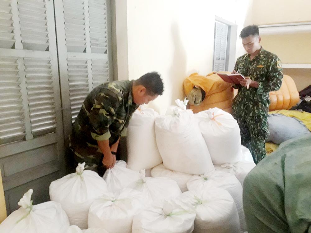 Thu giữ hơn 1,2 tấn đường cát nhập lậu