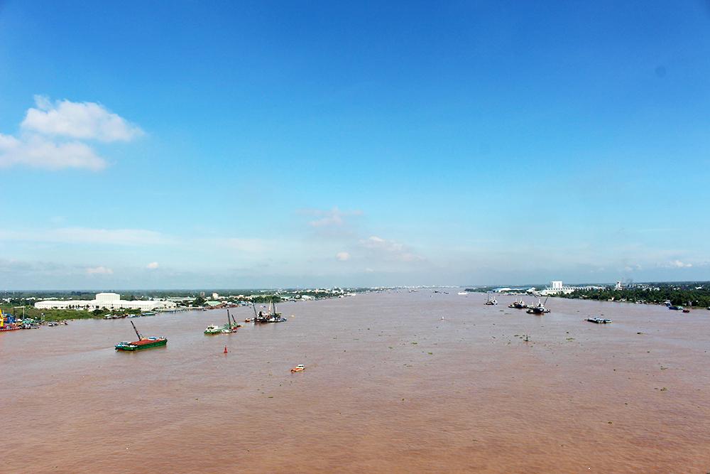 """Đừng để thủy điện """"ám ảnh"""" cư dân Mekong"""