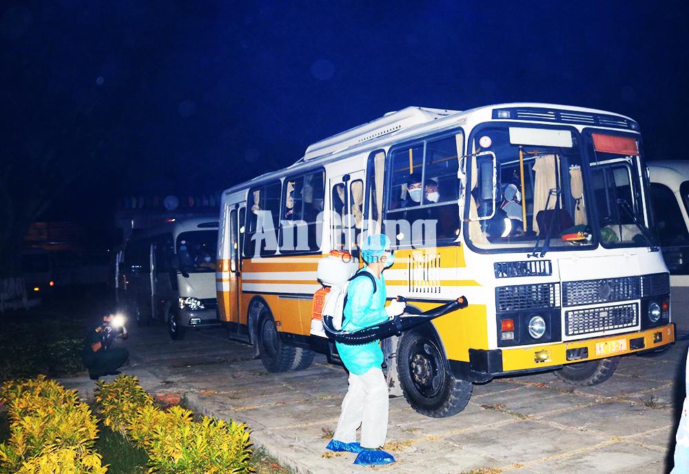 An Giang tiếp nhận cách ly 235 người về từ Hàn Quốc