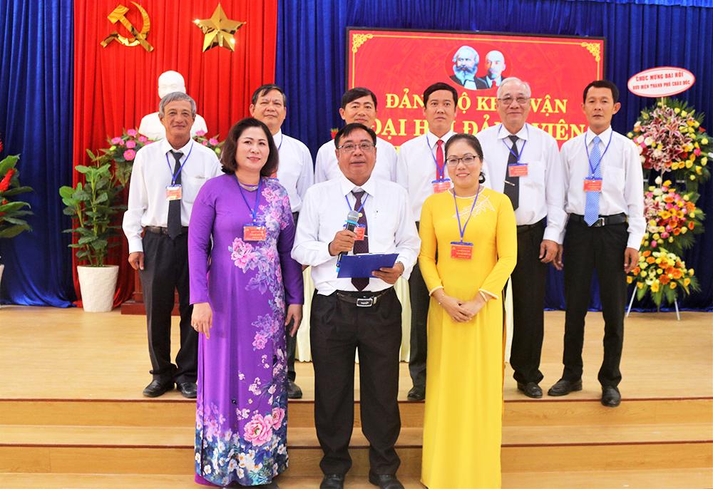 Đảng bộ Khối vận TP. Châu Đốc đại hội điểm bầu trực tiếp Bí thư