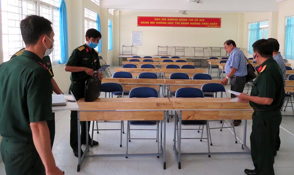 Phú Tân kiểm tra điểm dự phòng cách ly phòng dịch bệnh Covid-19