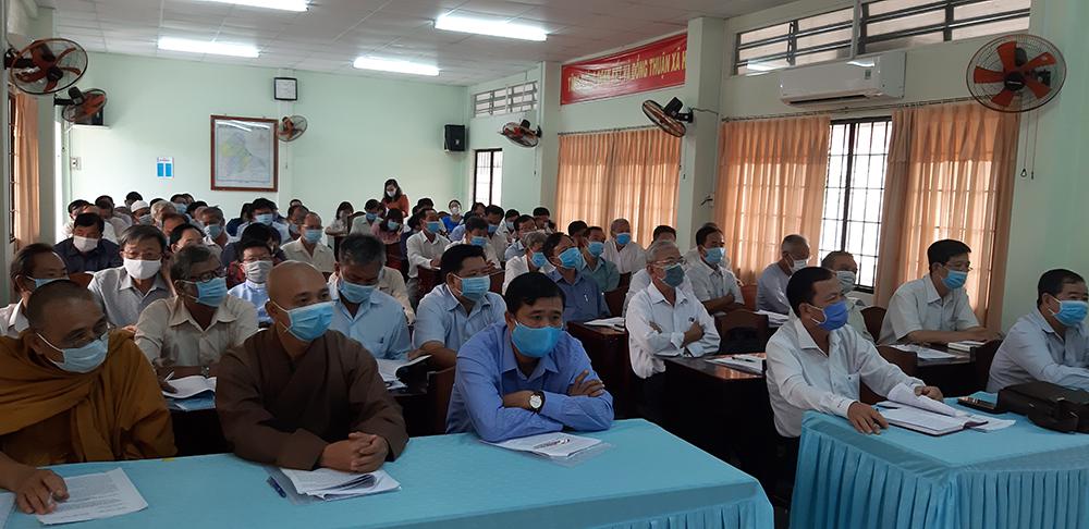 Châu Phú lấy ý kiến nhân dân dự thảo Báo cáo chính trị Đại hội đại biểu Đảng bộ huyện và các văn kiện trình đại hội XIII của Đảng