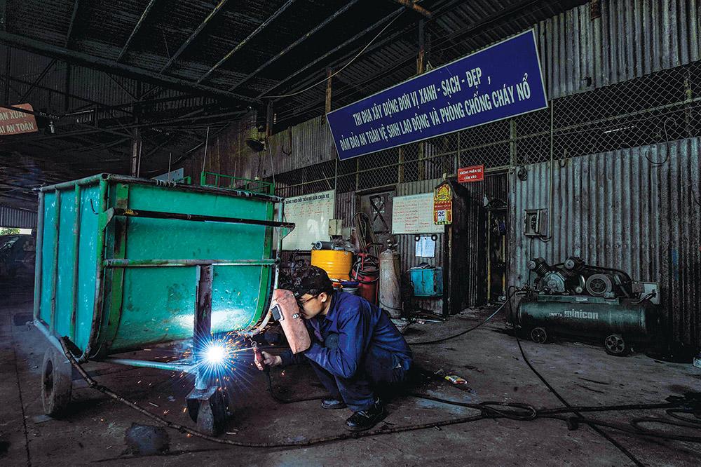 Sửa chữa phương tiện lao động