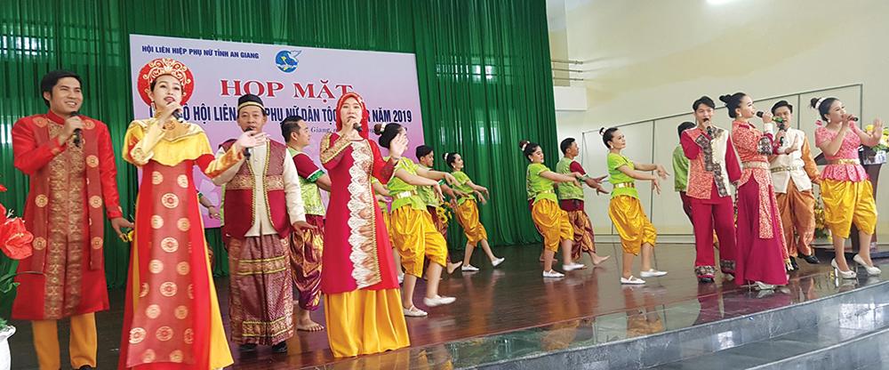 Văn hóa - nghệ thuật đáp ứng nhiệm vụ chính trị, hưởng thụ văn hóa tinh thần của nhân dân