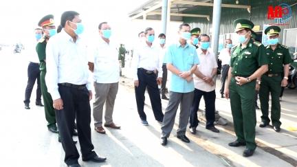 Phó Bí thư Thường trực Tỉnh ủy Võ Anh Kiệt kiểm tra công tác phòng, chống dịch Covid-19 tại huyện An Phú