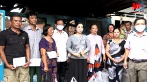 Thăm hỏi, hỗ trợ 8 gia đình có nhà bị cháy ở phường Mỹ Bình