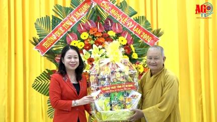 Bí thư Tỉnh ủy Võ Thị Ánh Xuân chúc mừng Đại lễ Vu lan
