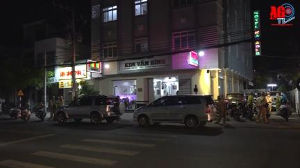 An Giang: Bắt quả tang 3 cặp nam nữ mua bán dâm tại khách sạn Kim Vân Bình