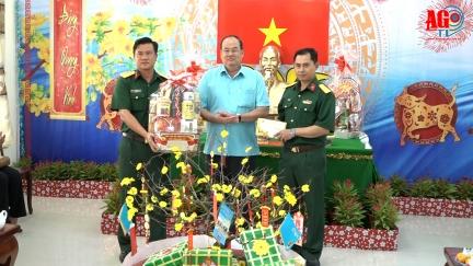 Chủ tịch UBND tỉnh An Giang Nguyễn Thanh Bình chúc Tết các lực lượng vũ trang và Công an tỉnh