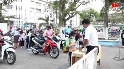 Học sinh An Giang trở lại trường sau Tết Nguyên đán 2021