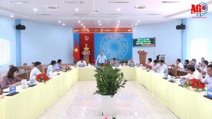 Chủ tịch UBND tỉnh An Giang Nguyễn Thanh Bình làm việc với lãnh đạo huyện Chợ Mới về nhiệm vụ phát triển kinh tế - xã hội