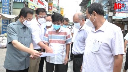 Bí thư Tỉnh ủy An Giang Lê Hồng Quang chỉ đạo công tác phòng, chống dịch COVID-19 tại huyện Phú Tân