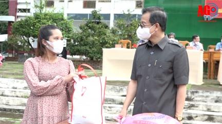 Bí thư Tỉnh ủy An Giang Lê Hồng Quang dự lễ bàn giao công dân hoàn thành cách ly tập trung