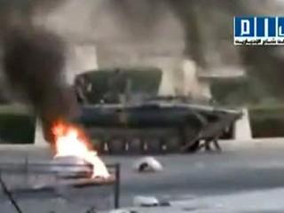 Syria: Quân đội xả súng, 100 người chết